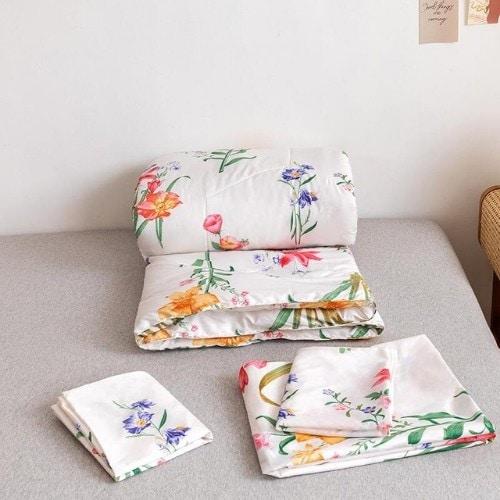 DEALS FOR LESS - Comforter Set of 4 Pieces, Floral Design, 1 Comforter + 1 bedsheet + 2 pillow covers.