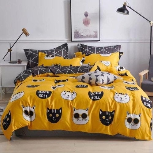 DEALS FOR LESS - Queen/Double Size, Duvet Cover, Bed Sheet Set of 6 Pieces, Yellow with Cute Cat Design, 1 Duvet cover + 1 bedsheet + 4 pillow covers.