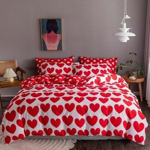 DEALS FOR LESS - King Size, Duvet Cover, Bed Sheet Set of 6 Pieces,Red heart design, 1 Duvet cover + 1 Fitted bedsheet + 4 pillow covers.